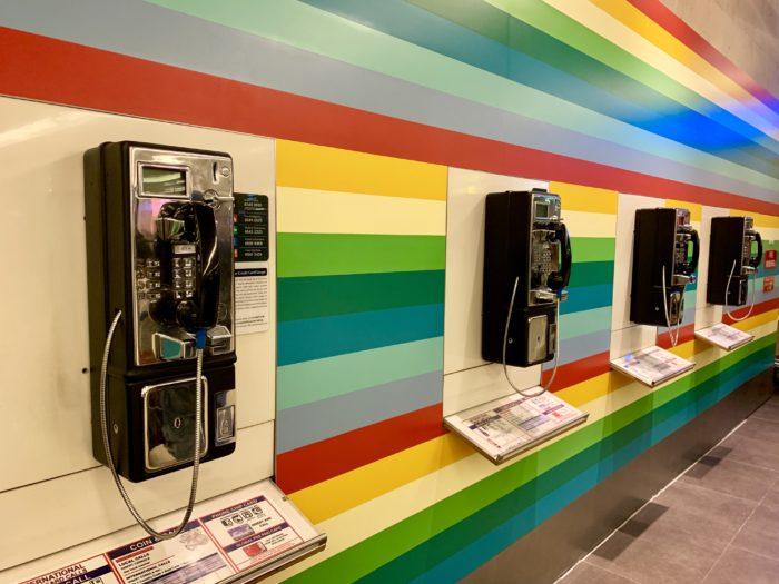 空港 公衆電話