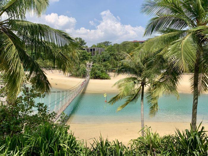 タラワンビーチ アジア最南端の地
