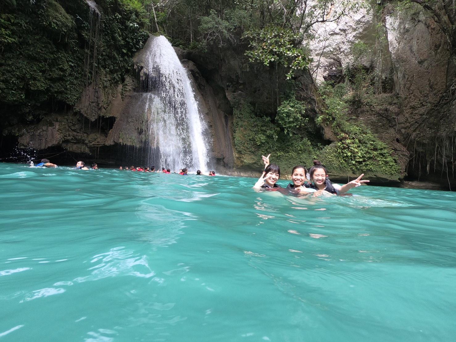 カワサン滝 泳ぎ